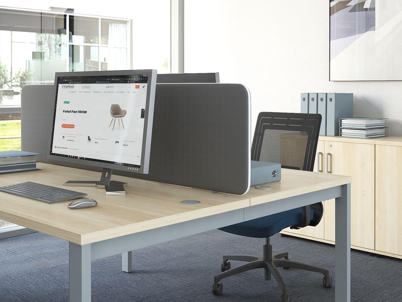 Biurko Svenbox z panelem dzielącym