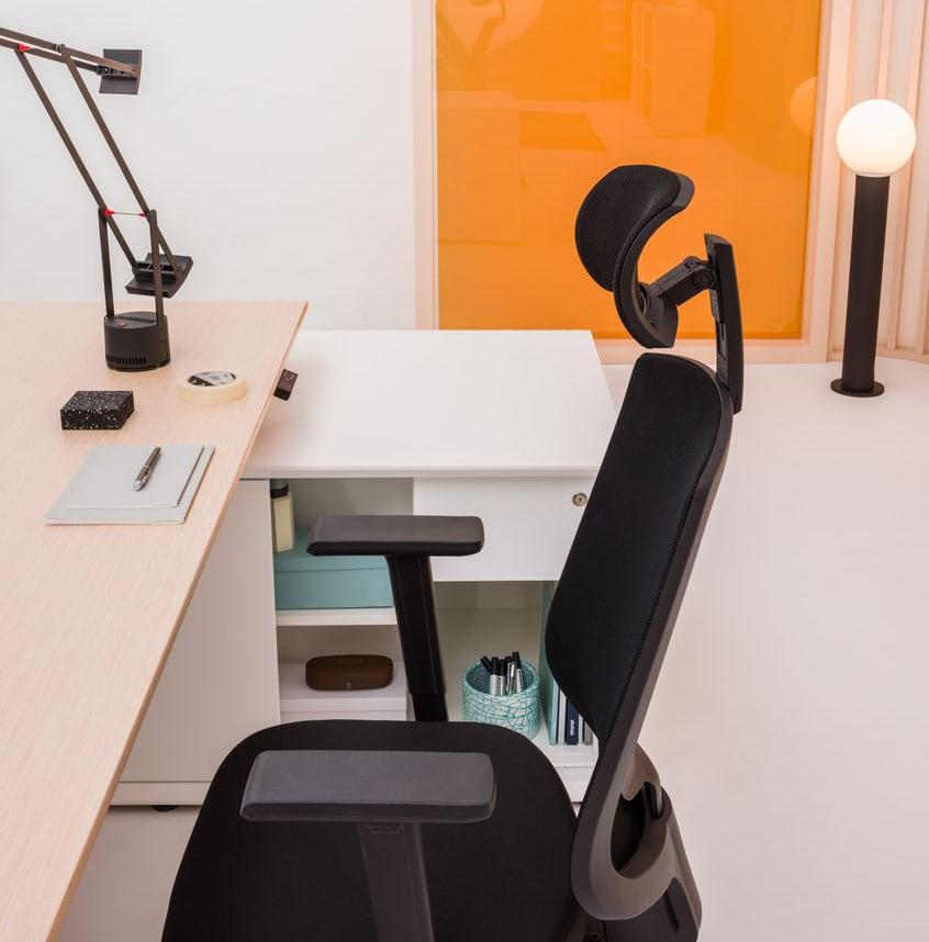 Biurko dla menadżera z regulacją wysokości